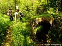 Pont del Diable con senderistas