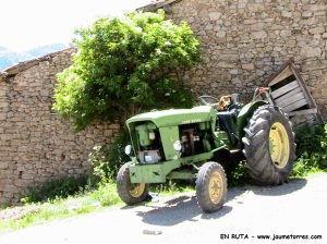 Tractor en Estana