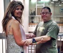 Rosa Alvarez de Eventos con Alma y Dani uno de sus azafatos